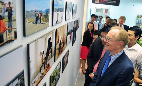 John Sculley cho rằng thế hệ trẻ Việt Nam rất tài năng. Ảnh: Hoàng Hà