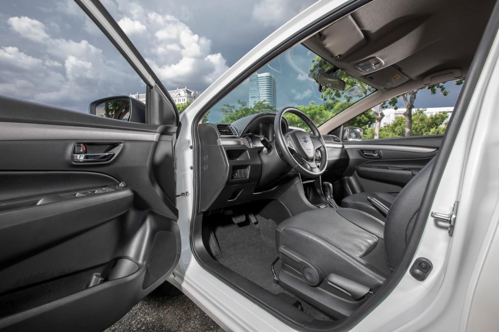 Suzuki Ertiga và Ciaz hai mẫu xe thực dụng trong phân khúc