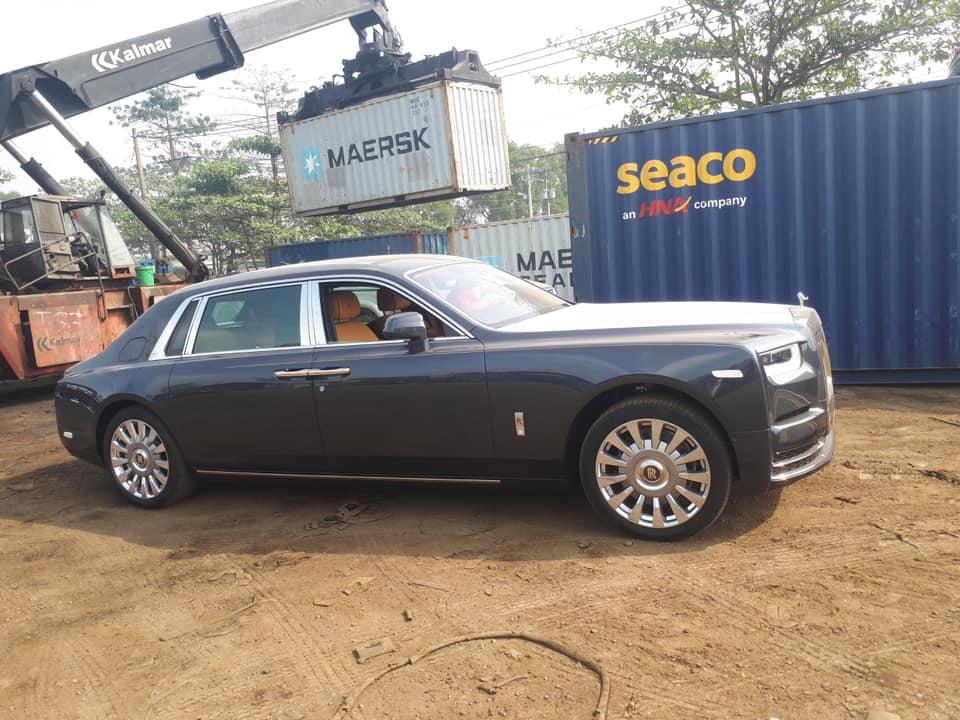 Đại gia Việt nhập vội Rolls-Royce Phantom VIII EWB hàng chục tỷ về chơi Tết