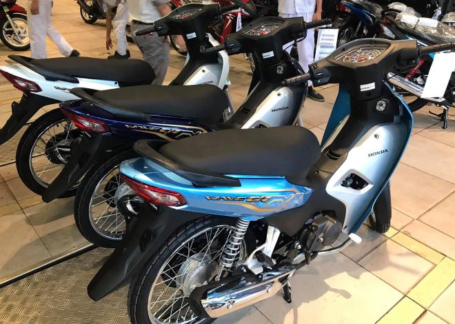 den-luot-xe-so-binh-dan-honda-wave-alpha-110-chenh-gia-ky-luc