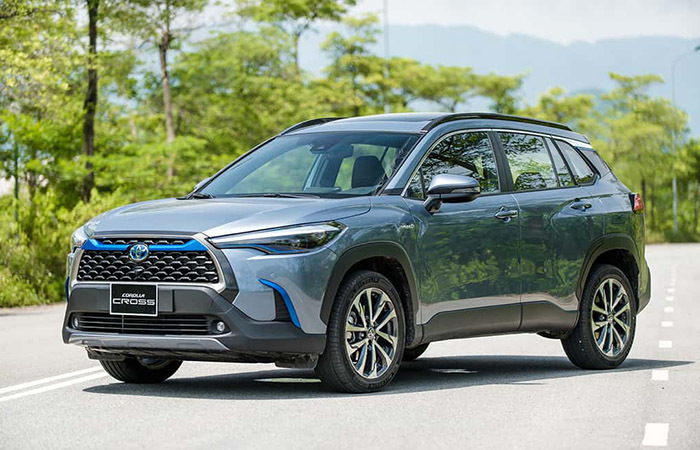 xe-hybrid-o-viet-nam-gia-cao-khach-viet-lan-tan