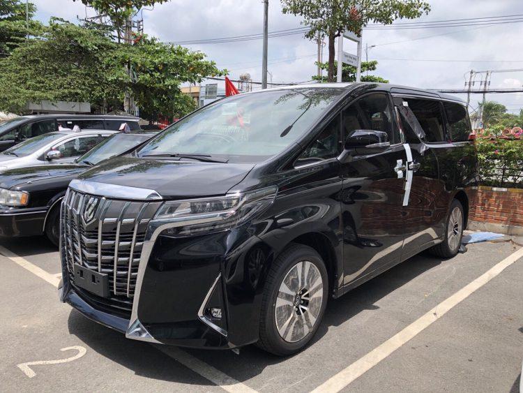10-xe-ken-nguoi-mua-thang-3-2021-xe-nhat-chiem-qua-nua