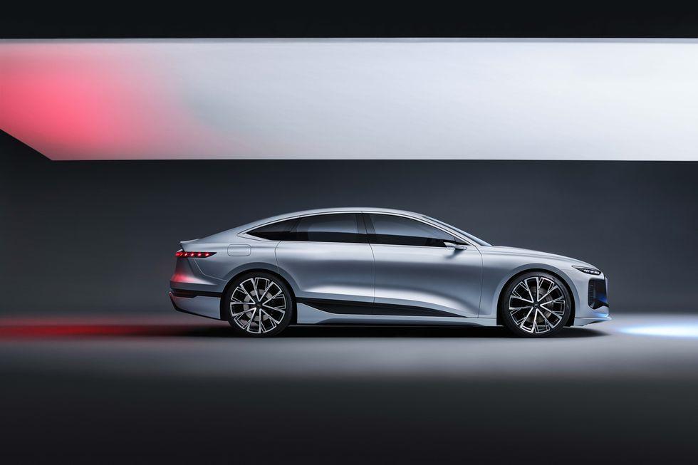 Góc nhìn ngang Audi A6