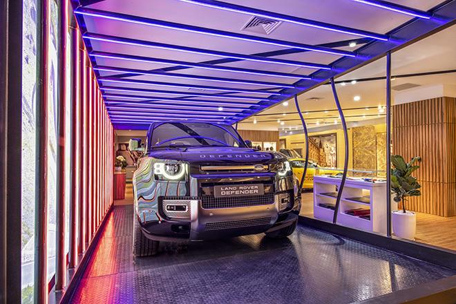 jaguar-land-rover-co-showroom-trung-bay-tieu-chuan-moi