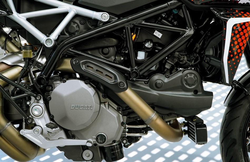 Ducati Hypermotard 950 RVE-cafeauto-5
