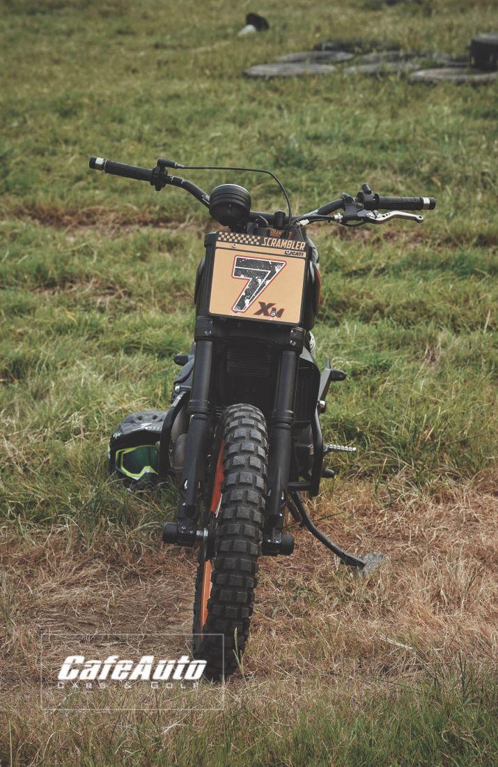 Ducati Scrambler Flat Track-Cafeauto-3