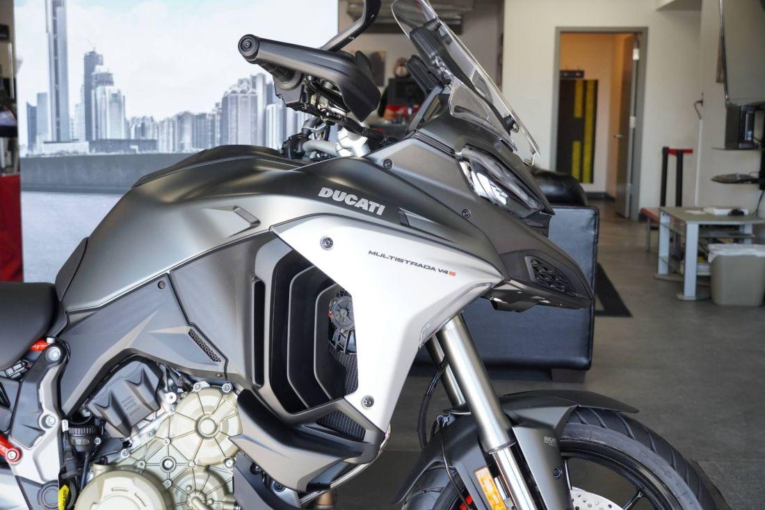 Ducati Multistrada V4 2021-Cafeauto-1