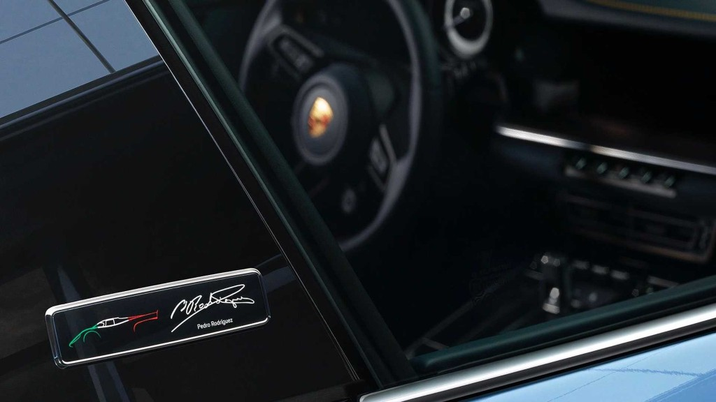 porsche-911-turbo-s-one-of-a-kind-doc-nhat-duoc-ban-dau-gia-lam-tu-thien