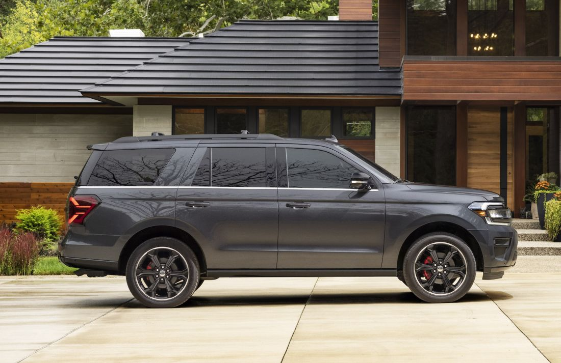 ford-expedition-2022-stealth-edition-performance