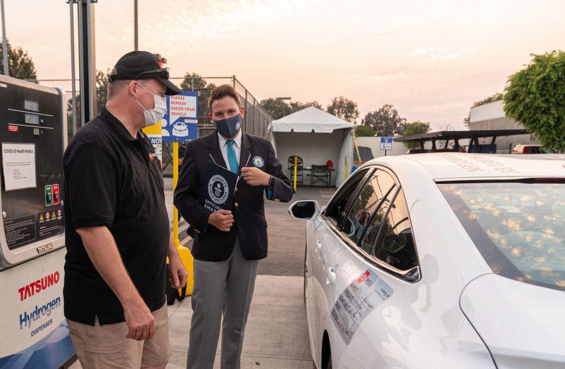 Toyota Mirai đi hơn 1.300 km mới cần nạp lại nhiên liệu, ghi tên vào sách Kỷ lục Guinness