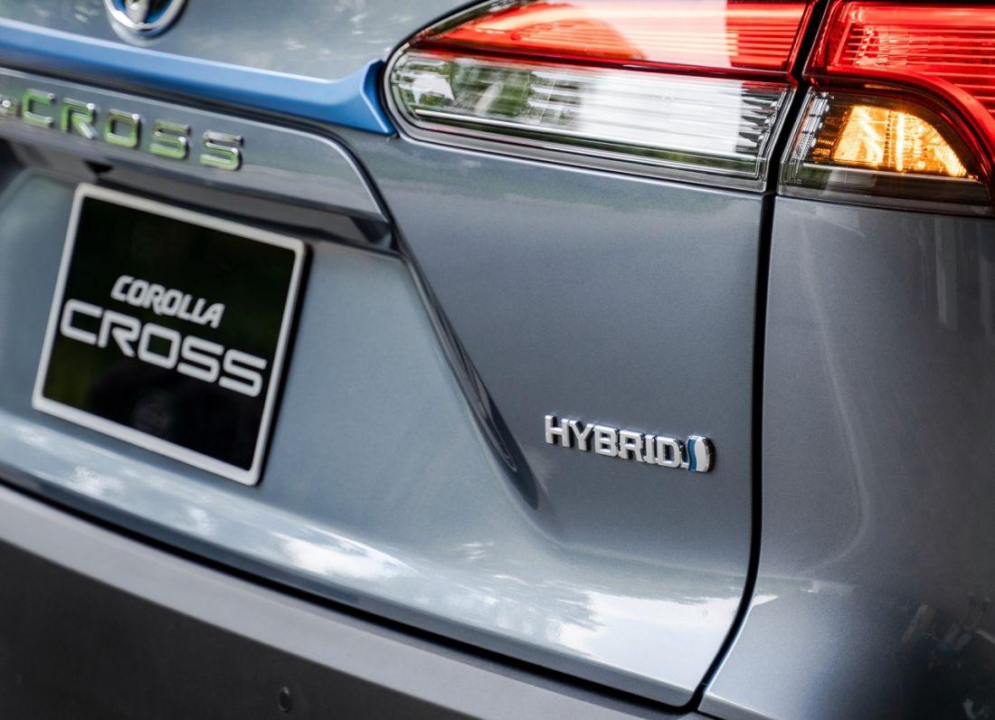 Một số cách giúp kéo dài tuổi thọ pin của xe hybrid