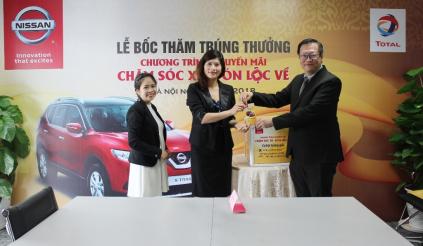 """Công bố 5 khách hàng trúng giải """"Chăm sóc xe, đón lộc về"""" của Nissan Việt Nam"""