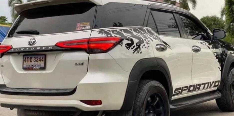 Toyota Fortuner độ Toyota Hilux mới