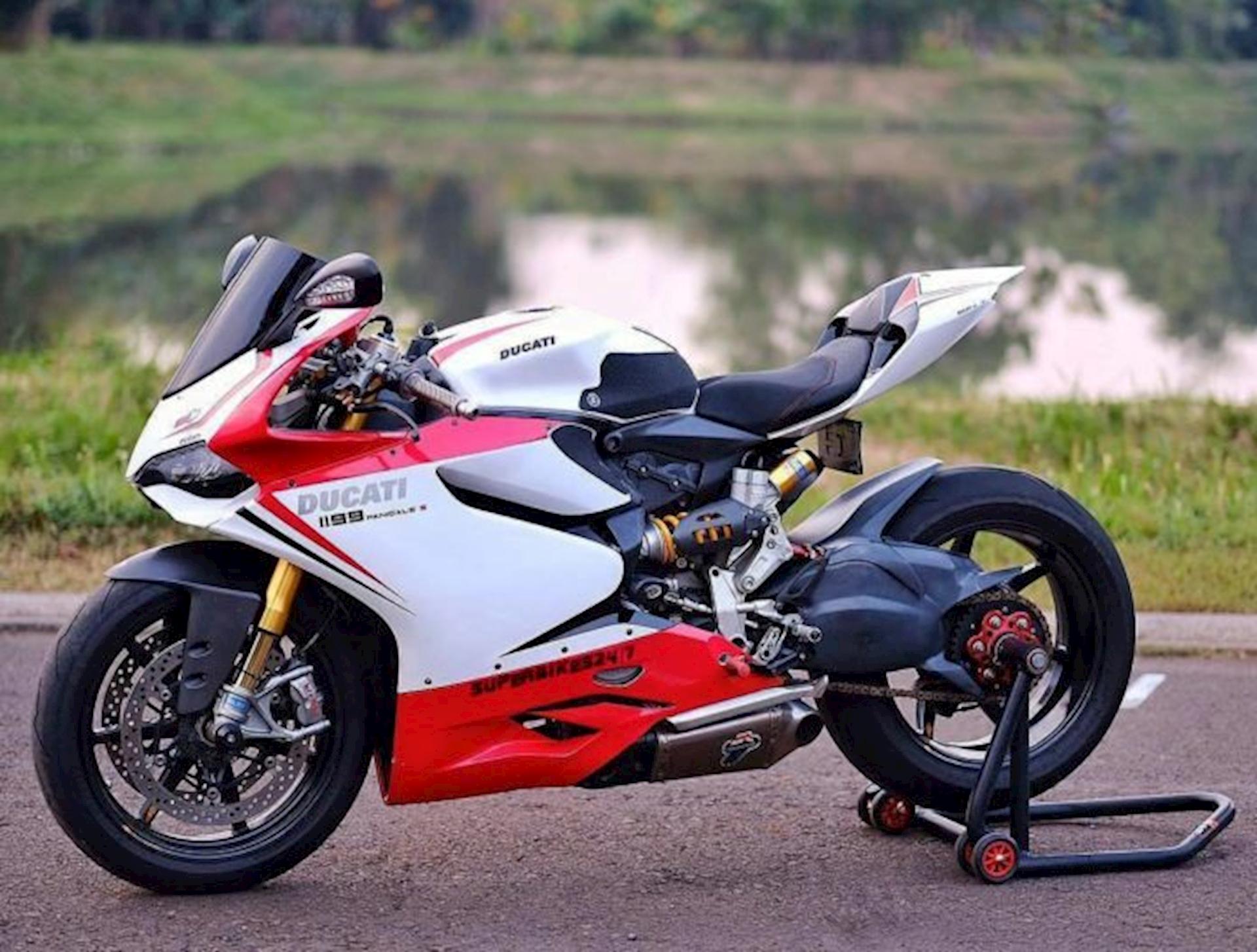 Ducati-cafeautovn-1