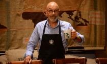 Đại sứ Starbucks Coffee: Đừng để người khác định vị mình là ai