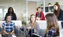5 thói quen xấu đánh cắp thời gian làm việc của bạn