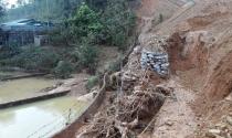 Bắc Kạn: Dân khốn đốn vì bùn đất từ công trình xây dựng 'tấn công'