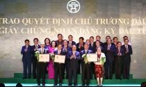 Hà Nội trao giấy chứng nhận cho hàng chục dự án bất động sản