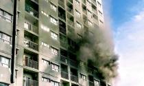 Cư dân xanh mặt khi chung cư cao tầng bất ngờ bốc hỏa
