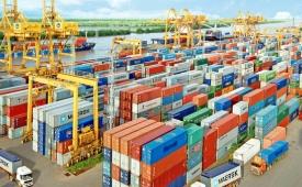 Việt Nam xuất siêu đạt mức kỷ lục với 7,4 tỉ USD