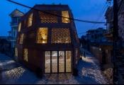 Ngôi nhà bằng gạch như hang động ở Hà Nội lên báo ngoại
