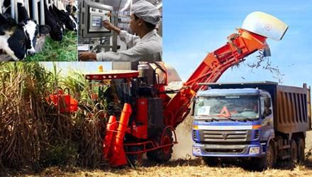 """Nhiều doanh nghiệp lớn đang """"cày cấy"""", """"gặt hái"""" trên mảnh đất """"vàng"""" mang tên nông nghiệp công nghệ cao. Ảnh: Hồng Vĩnh."""