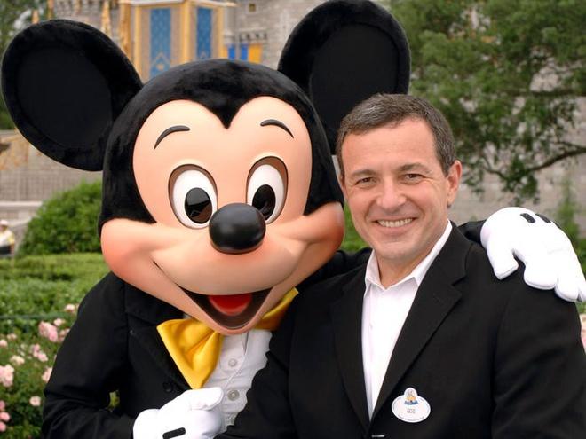 9 1582965597 Chủ tịch Disney Bob Iger kiếm và tiêu tiền xa xỉ như thế nào?