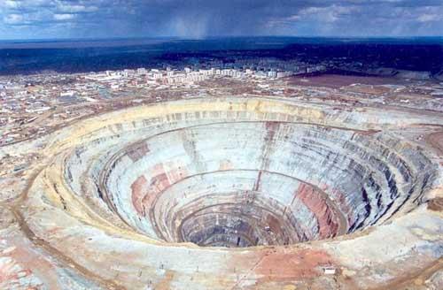 Cận cảnh mỏ kim cương lớn thứ 2 TG, Tài chính - Bất động sản, mo kim cuong, mo Mir, nha may che bien kim cuong,