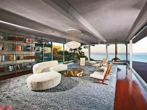 Thăm biệt thự tuyệt đẹp của Brad Pitt, A.Jolie - 2