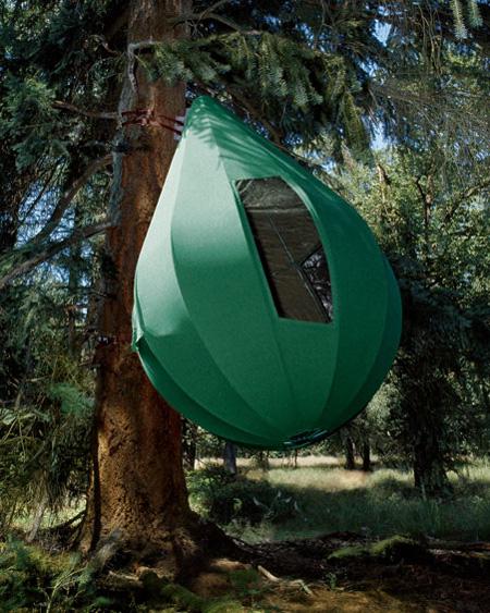David Beckham từng mua chiếc lều cây này để các con của mình vui chơi. Chiếc lều này do nhà thiết kế người Hà Lan sáng tạo và nó có thể đủ chỗ để 3 đứa trẻ có thể ngủ trong đó. Giá của chiếc treetent này là 50.000 USD.