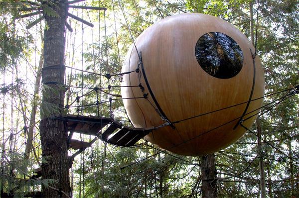 Nhà cây hình cầu Free Spirit Sphere có giá 44.700 USD.