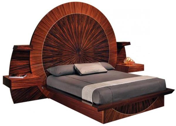 Giường Parnian Furniture được trạm khắc bằng tay mất gần cả năm mới hoàn thành xong. Giường được làm bằng gỗ, thép không gỉ và vàng. Giá trị của sản phẩm là 210.000 USD.