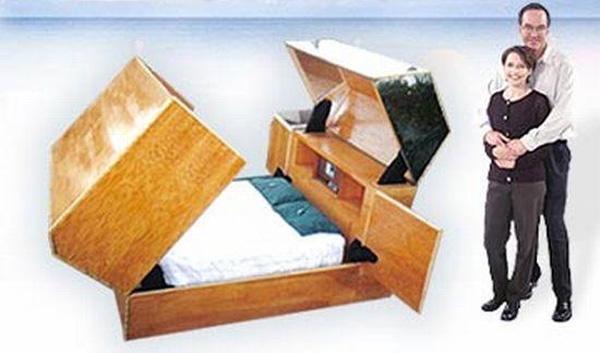 Giường Quantum Sleeper có thiết kế như một chiếc hòm lớn được khóa cẩn thận. Sản phẩm trị giá 160.000 USD.
