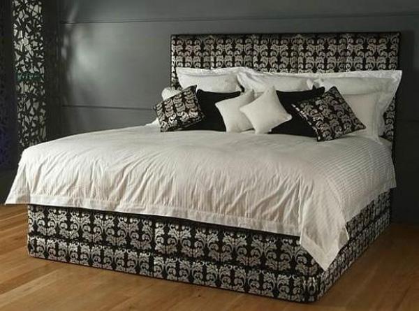 Nghệ nhân Jab Anstoez nổi tiếng là người đã gia công chiếc giường Majesty Vi-spring này. Chất liệu chính làm nên chiếc giường này gồm cotton, len casơmia và lụa. Một số chi tiết được trang trí bằng cả vàng và bạc. Giá trị của chiếc giường này là 84.425 USD.