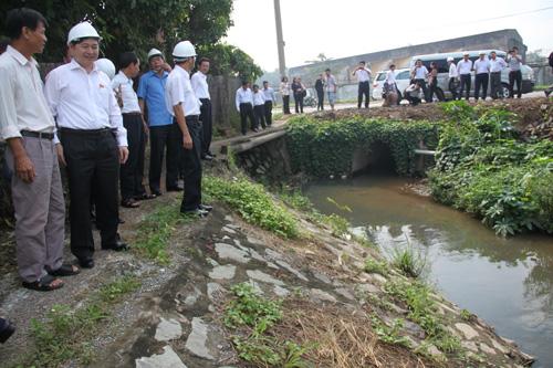 Khảo sát hiện trạng đường nước thải KCN Biên Hòa 1 ra sông Đồng Nai 1