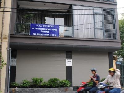 Nhiều căn hộ quy mô nhỏ tại Quảng An (Tây Hồ, Hà Nội) đua nhau chào mời khách thuê. Ảnh: Minh Tuấn