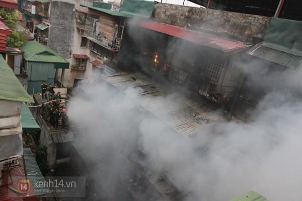 Hà Nội: Cháy lớn tại khu tập thể Nam Đồng 2