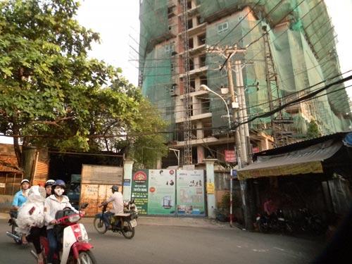 Dự án chung cư Đại Thành đang tạm ngưng thi công - Ảnh: NGỌC ÁNH