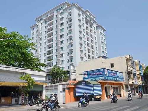 """Cao ốc Phú Nhuận, một trong những """"chung cư cao cấp"""" ở TP HCM Ảnh: TẤN THẠNH"""