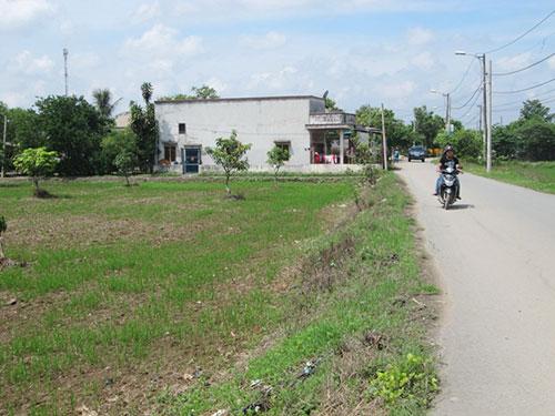 Khu vực ấp 3, xã Bình Chánh, huyện Bình Chánh, TP HCM bị thu hồi đất thuộc dự án đường cao tốc Bến Lức - Long Thành