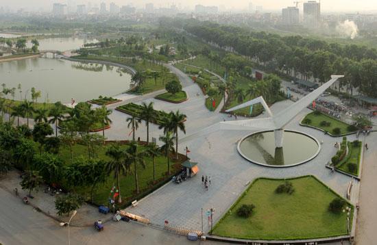 Công viên Hòa Bình, quận Bắc Từ Liêm.     Ảnh: Phạm Hùng