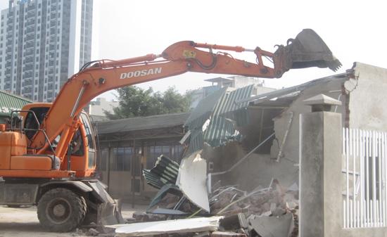 Cưỡng chế công trình vi phạm xây dựng tại phường Mỹ Đình 2, quận Nam Từ Liêm ngày 27/11.