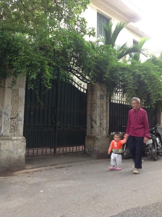 Gia đình ông Hoàng Văn Nghiên, nguyên Chủ tịch UBND TP Hà Nội thuê biệt thự 12 Nguyễn Chế Nghĩa hết chưa tới 500.000 đồng/tháng