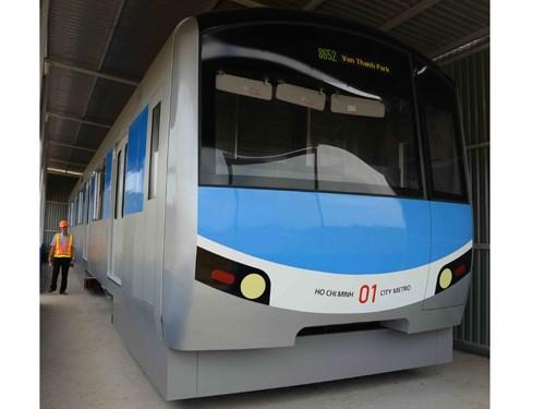 Mô hình đầu máy toa xe của tuyến metro số 1 (Bến Thành - Suối Tiên) do Hãng Hitachi chế tạo được trưng bày tại khu vực Depot (Q.9), TP.HCM