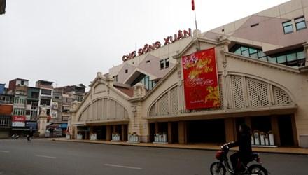 Chợ Đồng Xuân dịp Tết. Ảnh: Hồng Vĩnh.