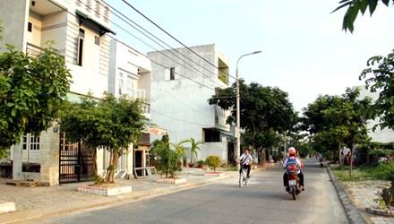 Tất cả các nhà trong phường đều được ở mặt tiền đường 5,5 m trở lên, hoàn toàn không có kiệt, hẻm. Ảnh: Thanh Trần