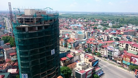 Tòa nhà ở khu đất vàng trên đường Thanh Niên, quận Tây Hồ, Hà Nội. Ảnh: Như Ý
