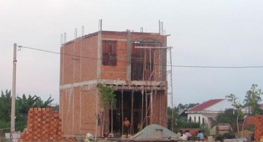 Một căn nhà được người dân phản ánh xây dựng trước khi có giấy phép tại đường Tuyến 5/2004, ấp 7, xã Xuân Thới Thượng, huyện Hóc Môn, TP HCM Ảnh: HUỲNH HOÀNG