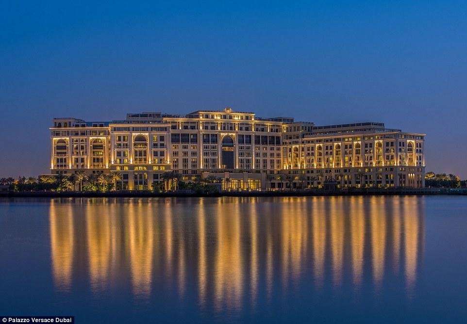 Khách sạn 5 sao siêu xa xỉ