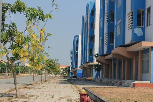 Khóc ròng với chung cư tái định cư Sài Gòn: Bỏ hoang vì…dân chê